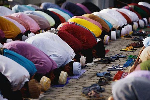 Musulmanes-meditando